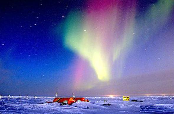 உலகின் அழகிய இயற்கை பிரதேசங்கள்! Aurora-Borealis