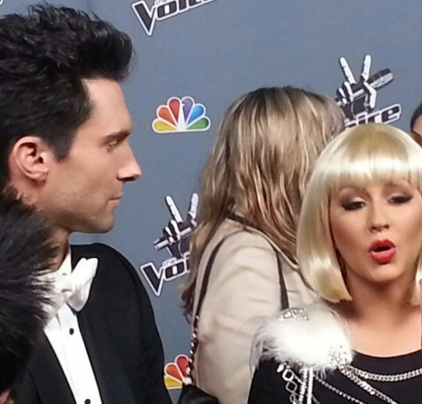 [The Voice 3] [Fotos+Videos] Christina Aguilera y Adam Levine en The Voice Press Room Normal_96%257E2
