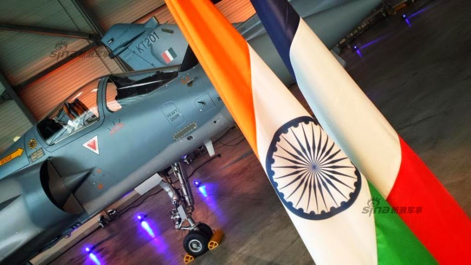 India - Página 19 Dassault%2Bdelivers%2Btwo%2Bnew%2Bupgraded%2BMirage%2B2000%2Bfighters%2Bto%2BIndia%2B1