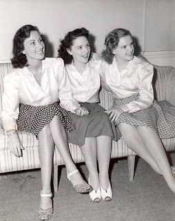Judy Garland Gumm-sisters-jimmie-suzy-baby-jg-undated-8-f25