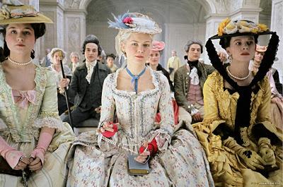 mode - Marie-Antoinette muse de la Mode  Marie_antoinette_screen1_large