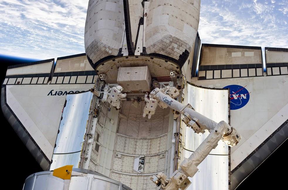 --Работа шаттла на орбите : фотографии-- Shuttle1