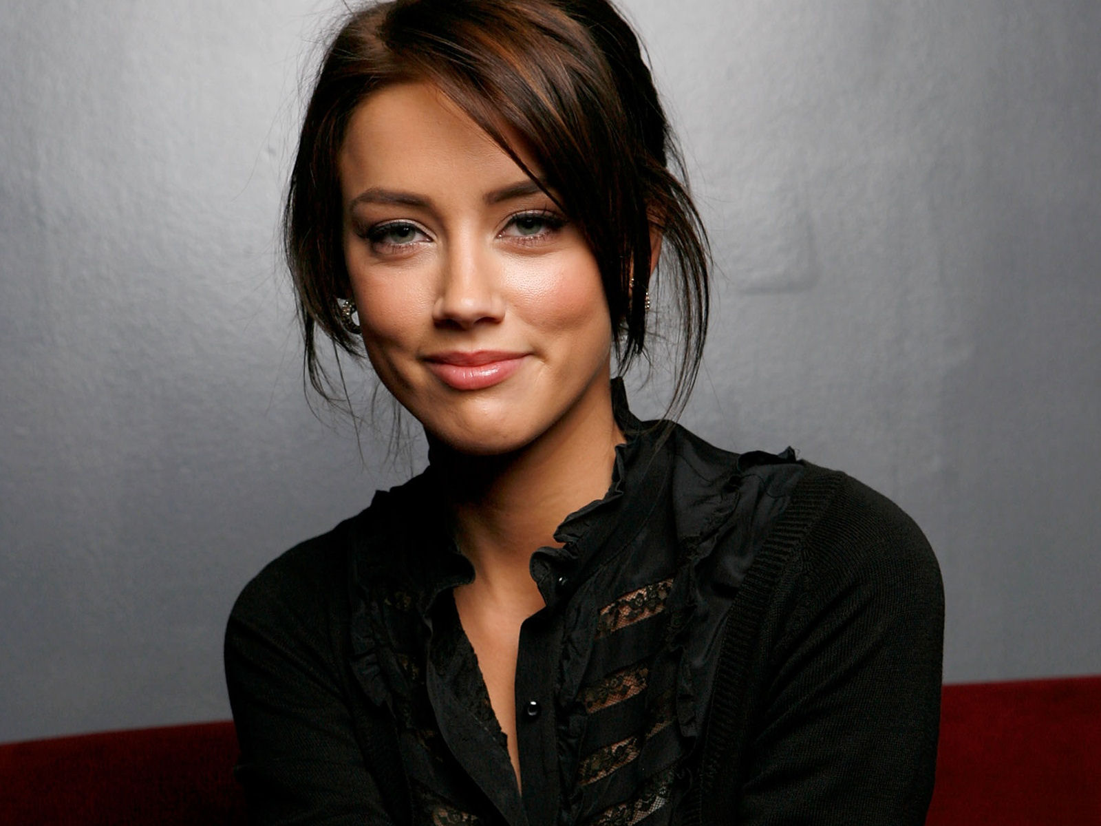 Amber Heard | Эмбер Хёрд - Страница 2 Amber-Heard-Wallpaper-005-1600x1200
