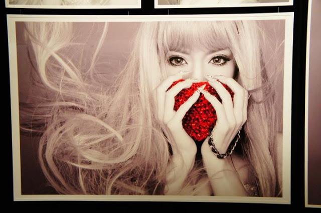 """Ayumi Hamasaki >> album """"FIVE"""" - Página 9 421193_3475646051582_1284132297_3481908_736433611_n"""