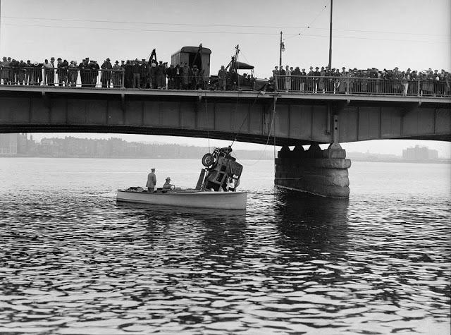 حوادث السيارات في عام 1930 أي قبل 80 سنة .. صور تكشف لأول مرة !؟ Supercoolpics_15_30082012194454