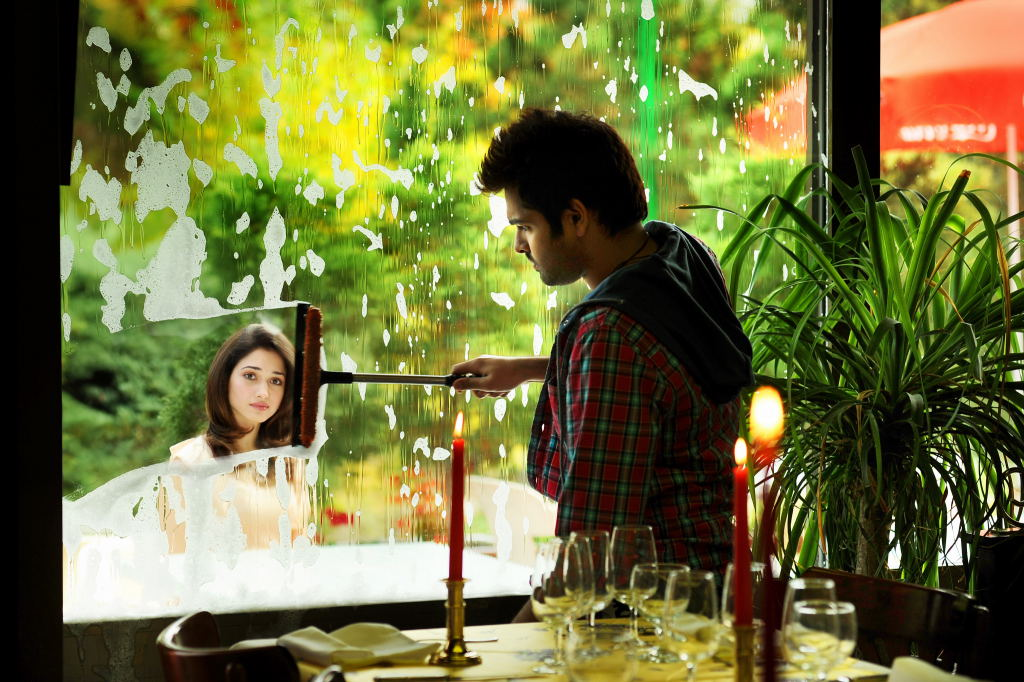 Tamannaa Bhatia - Stránka 3 Endukante_premanta_movie_stills-6