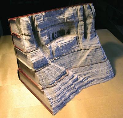 فن النحت على الكتب Landscapes-carved-into-books-guy-laramee-1