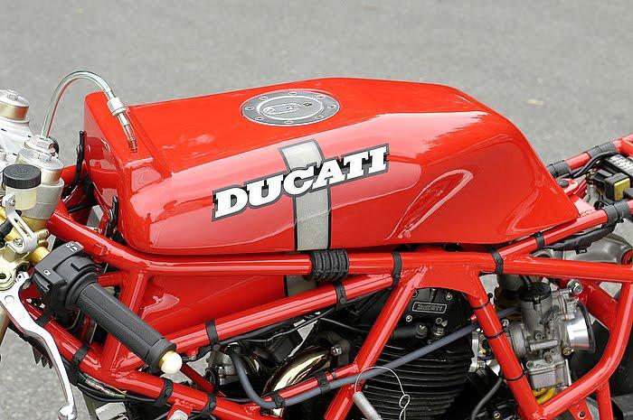 Ducati Deux soupapes - Page 6 Ducati%2B750%2BTT1%2Bby%2BNaoe%2BMachinery%2B05