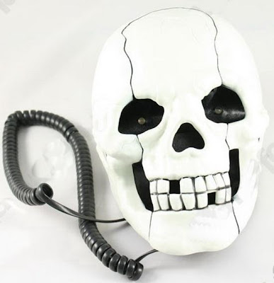 இதுவரை நீங்கள் கண்டிராத அழகிய தொலைபேசிகள்  Unusual-telephones-10