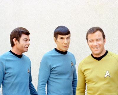 Star Trek: 45 Anos de Jornada nas Estrelas %2528E-D%2529%2BDeForest%2BKelley%252C%2BLeonard%2BNimoy%2Be%2BWilliam%2BShatner%2Bem%2BJornada%2Bnas%2BEstrelas
