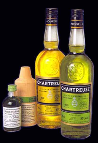 Suite de mots - Page 6 Chartreuse-liqueur-01