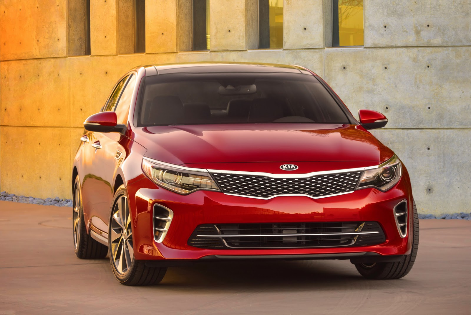 2015 - [Kia] Optima - Page 2 2016-Kia-Optima-Carscoops-Sedan1