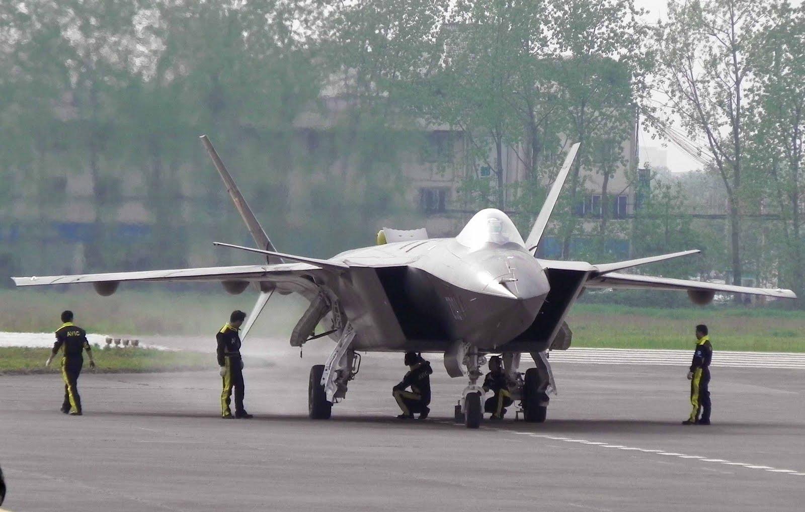 المقاتلة الصينية J-20 Mighty Dragon المولود غير الشرعي J-20%2BMighty%2BDragon%2B%2BChengdu%2BJ-20%2Bfifth%2Bgeneration%2Bstealth%252C%2Btwin-engine%2Bfighter%2Baircraft%2Bprototype%2BPeople%2527s%2BLiberation%2BArmy%2BAir%2BForce%2B%25285%2529