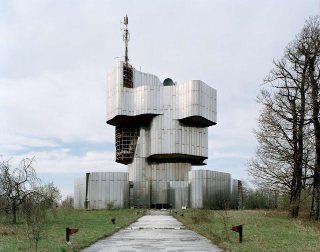 Construcciones abandonadas de la antigua URSS Spomenik_02