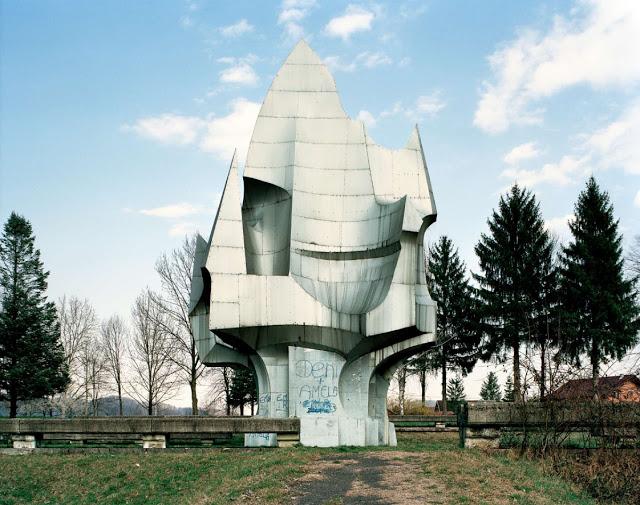 Construcciones abandonadas de la antigua URSS Spomenik_10