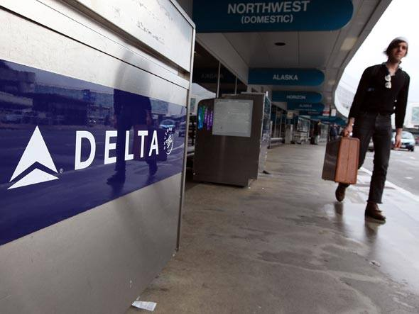 plano - [Internacional] Delta adia plano de comprar aviões da Embraer ou da Bombardier Size_590_delta-air-lines