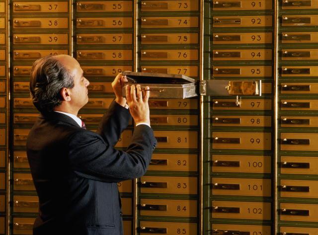 Révélations Stupéfiantes d'un Banquier Suisse « Initié » 117