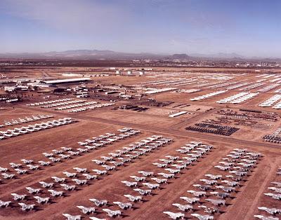aeronaves - Davis-Monthan AFB - o maior cemitério de aeronaves do mundo  AMARC_at_Davis-Monthan_Air_Force_Base