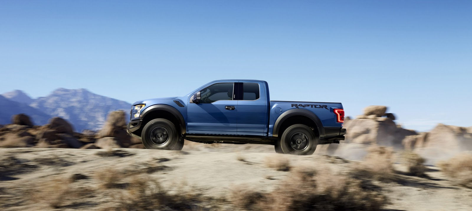 2015 - [Ford] F Series - Page 2 2017-Ford-F-150-Raptor-5