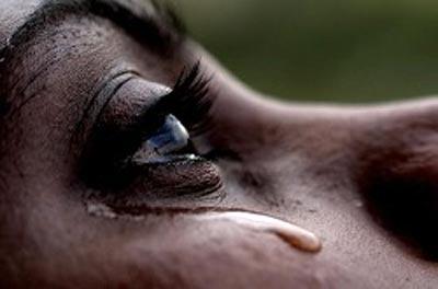 UN CUENTO TRISTE ---EL HIJO... DE HORACIO QUIROGA Mujer-llorando