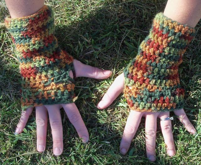Easy Fingerless Crochet Gloves~ 100_1953