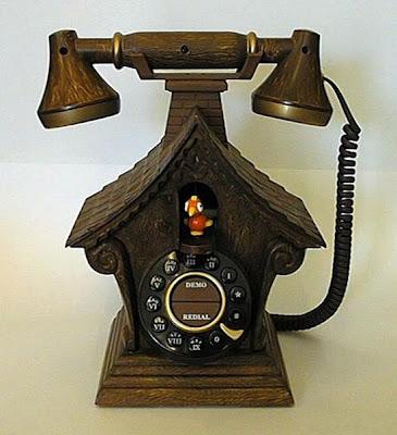 இதுவரை நீங்கள் கண்டிராத அழகிய தொலைபேசிகள்  Unusual-telephones-01