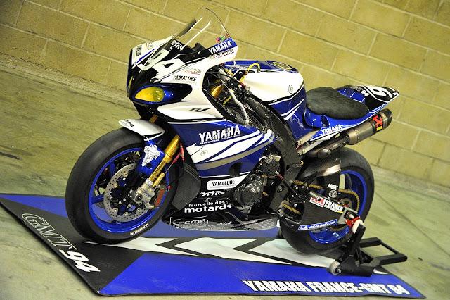 Machines de courses ( Race bikes ) - Page 12 R1-GMT-MNM10