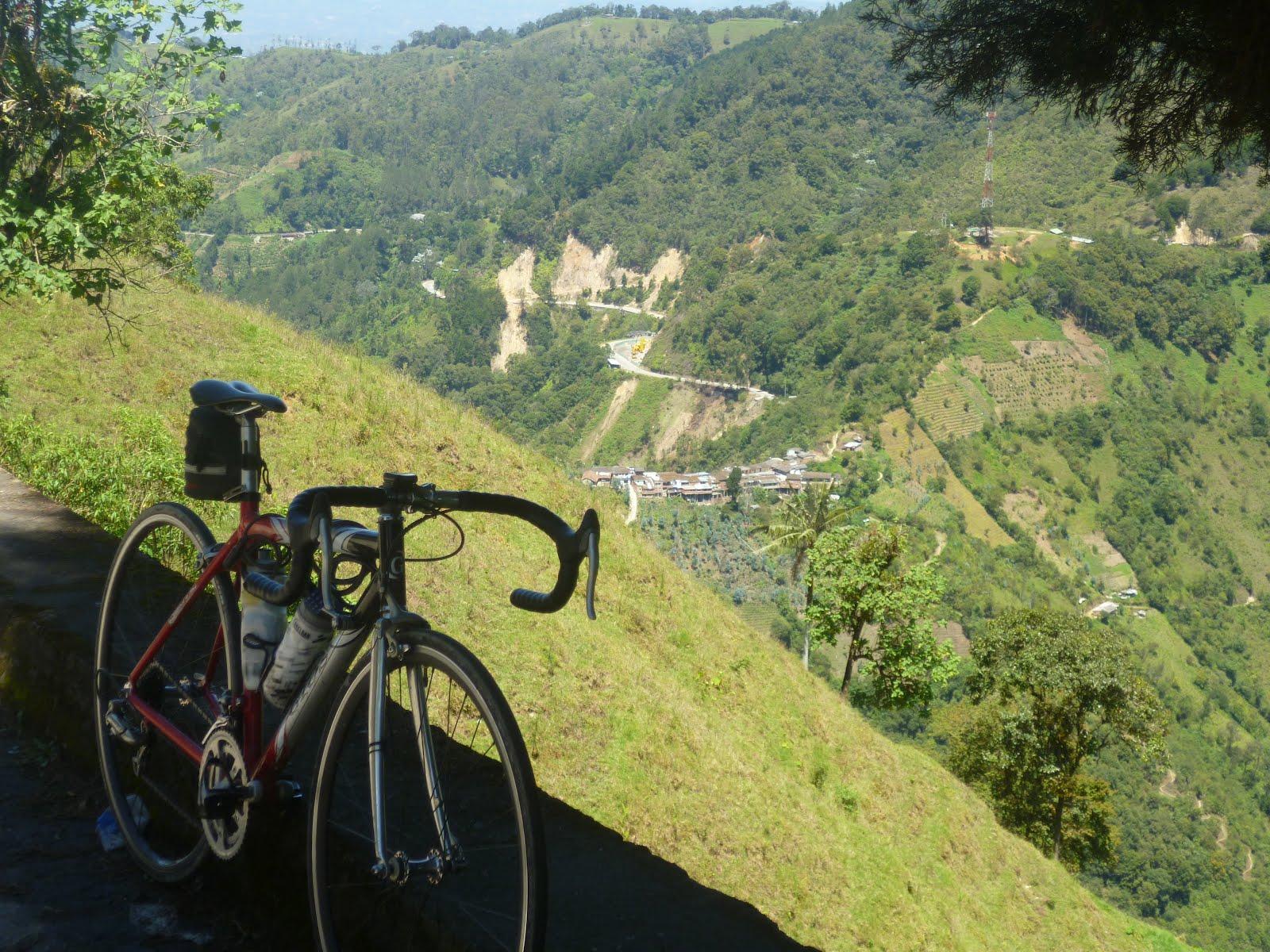 Mi pequeña Vuelta a Colombia.  14 etapas - 30 días - 1530km  P1010174