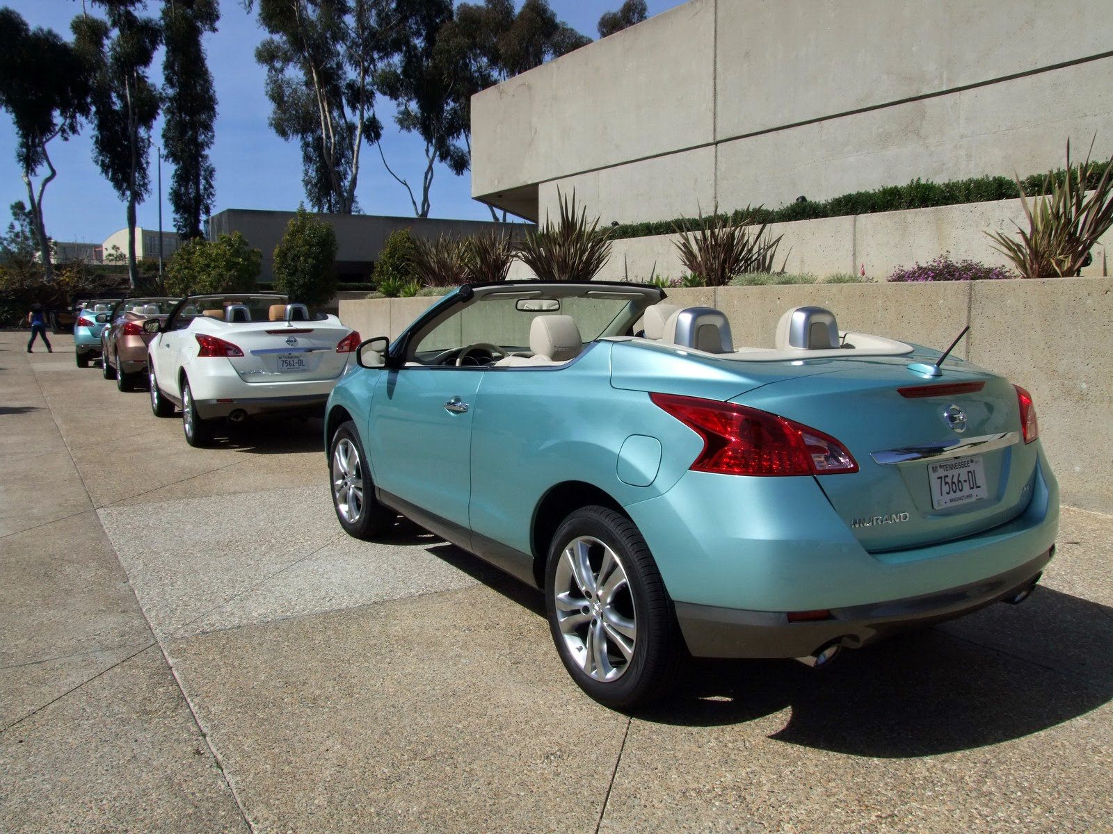 2010 - [Nissan] Murano CrossCabriolet - Page 4 2011-Nissan-Murano-CC-TD-637
