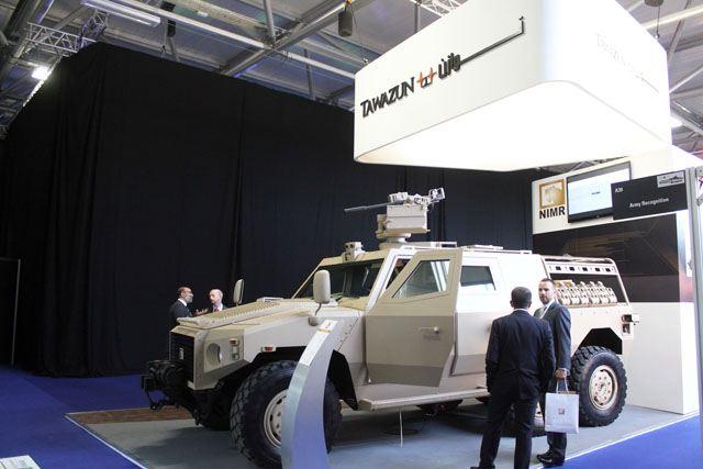 الصناعة الجزائرية العسكرية مع الصور..والتقارير تشير إلى عدم وجود تطور لتصل كعهد السبعينات Tawazun_booth_at_IAV_International_Armoured_Vehicles_2012