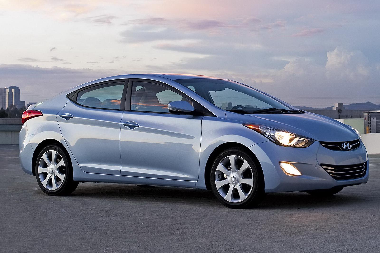 Tecnología Automotriz >> Novedades 2012-Hyundai-Elantra2