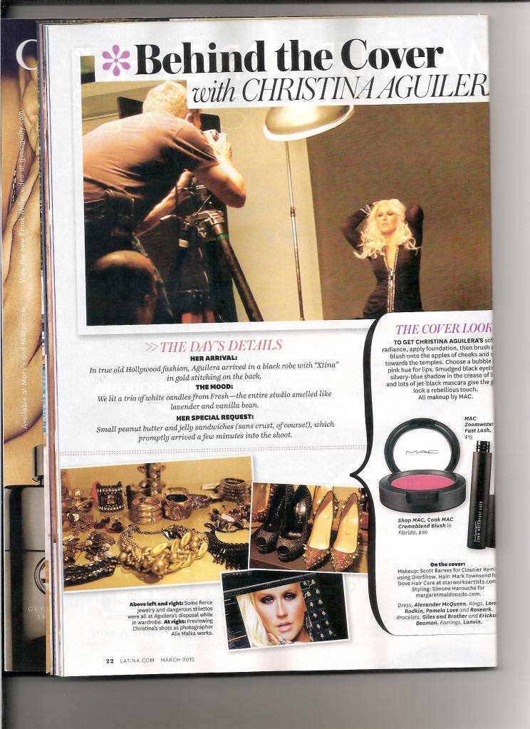 [Fotos+Video] Christina Aguilera en la portada de la revista Latina 2012 - Página 2 8