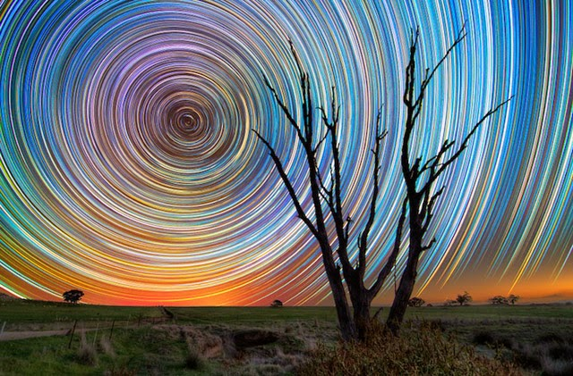 Earth is the Center of the Universe! Star_trails_4