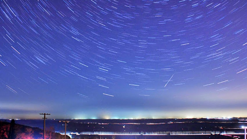 Lyrid Meteor Shower to Light Up Skies - Early Lyrid Meteors Caught on Camera  Lyrid_meteor_shower01