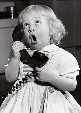 ΤΗΛΕΦΩΝΟ Little-girl-talking-on-phone
