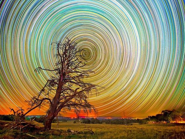 صور مدهشة للنجوم في سماء استراليا 270341-lincoln-harrison-startrails