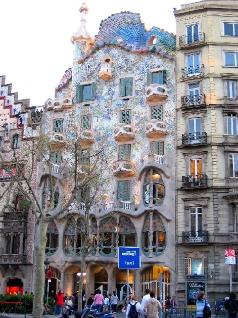 Architettura. Gaudi1