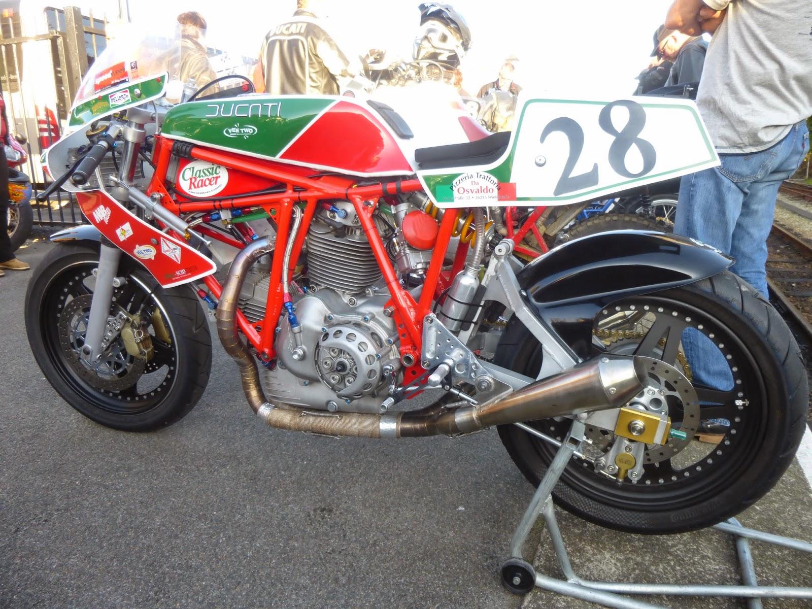 Ducati Deux soupapes - Page 11 P1010467