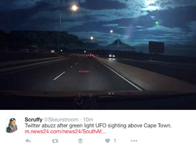 Residents Cape Town, South Africa witnessed weird green light in the sky  Weird%2Bgreen%2Blight%2Bsky%2Bcape%2Btown%2Bsouth%2Bafrica%2B%25281%2529