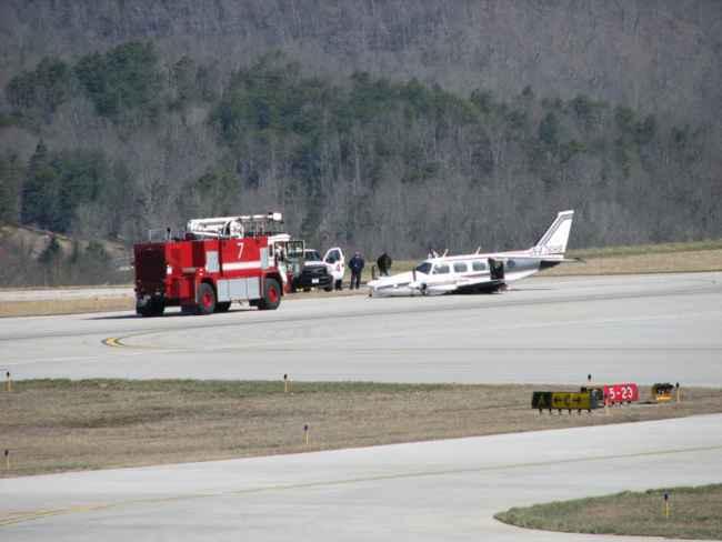 Aéroports dangereux- vol 4 21818099_BG1