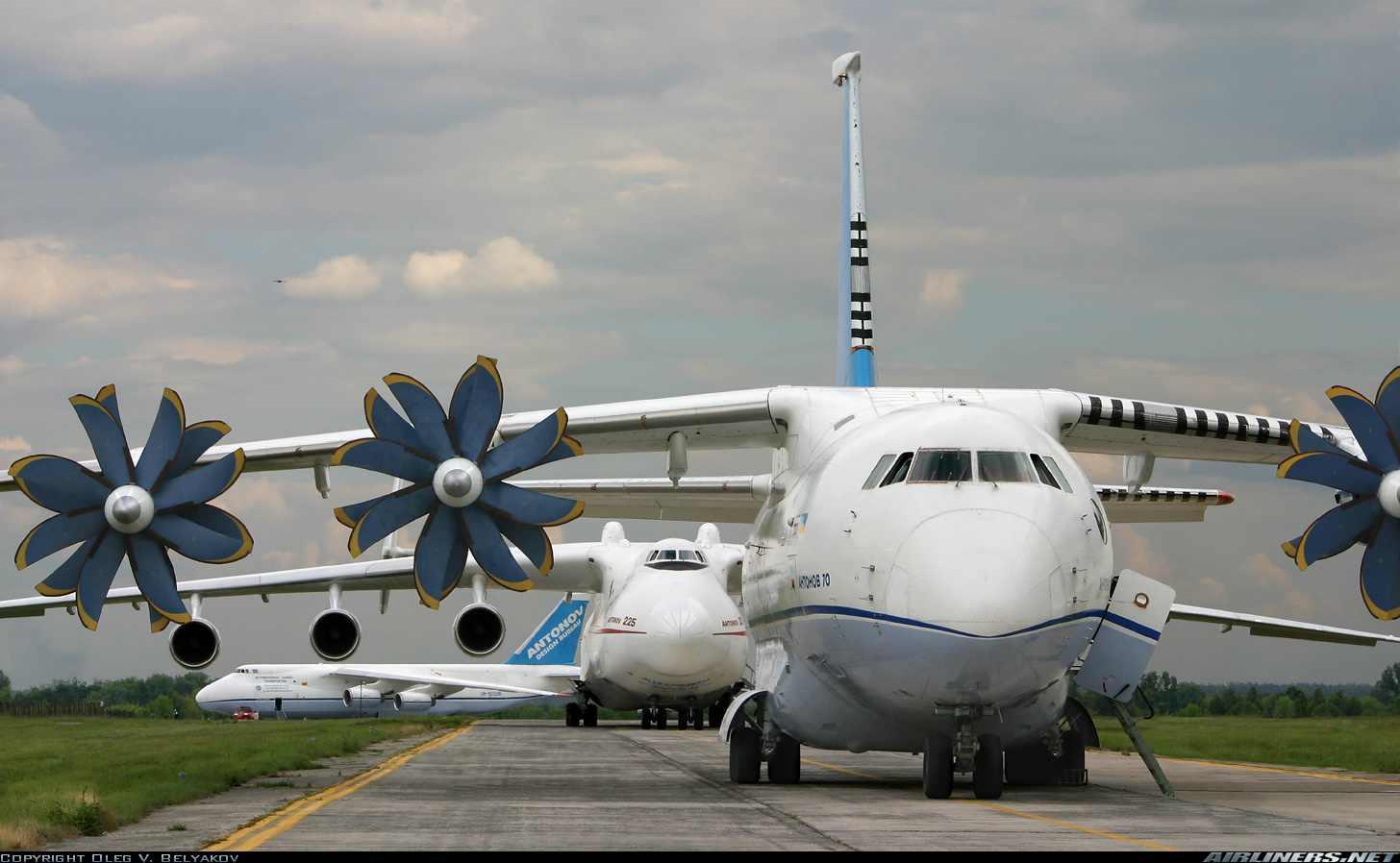 Russian Transport Aircraft fleet (VTA) - Page 8 An-70