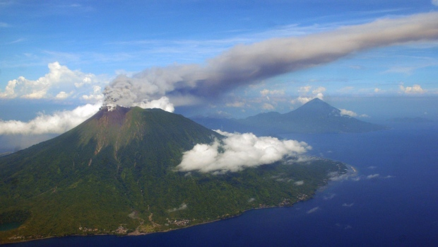 Volcano Uptick! Another colossus....Mount Gamalama North Maluku rumbles to life  Image