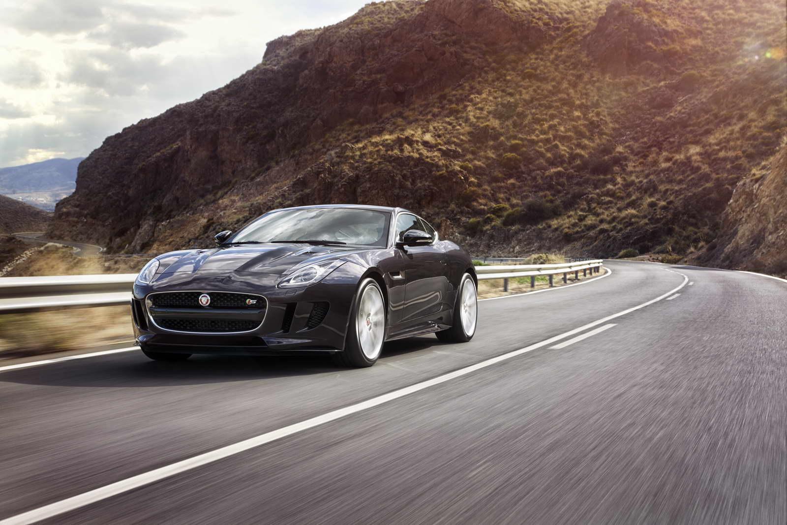 2012 - [Jaguar] F-Type - Page 14 AWD%2BS%2BBlackberry_04