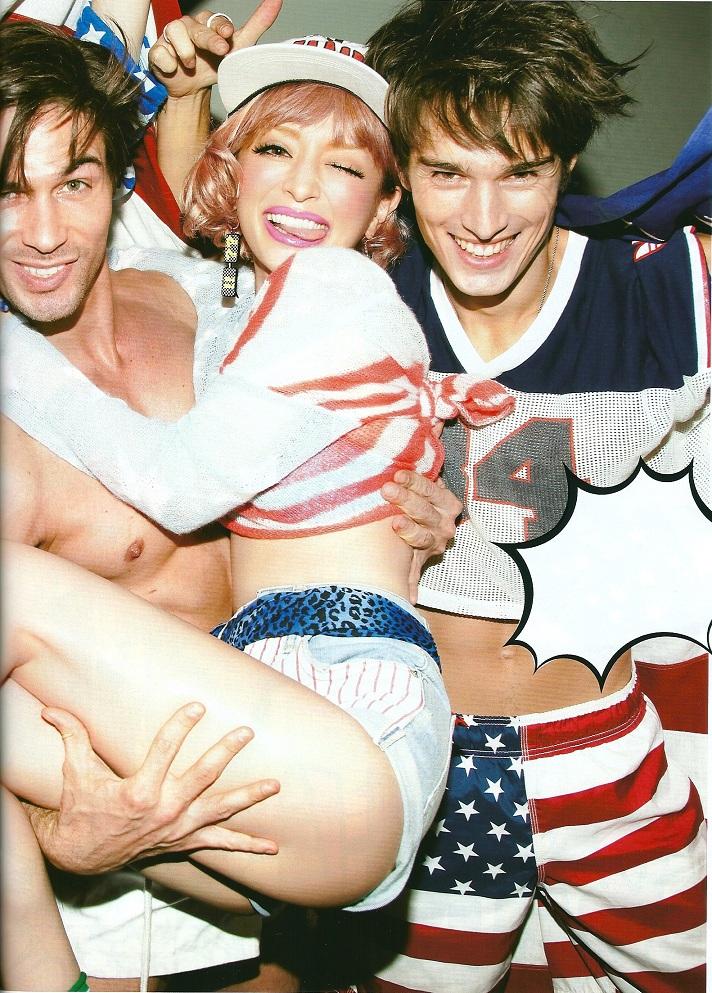 """Ayumi Hamasaki >> album """"FIVE"""" - Página 8 9"""