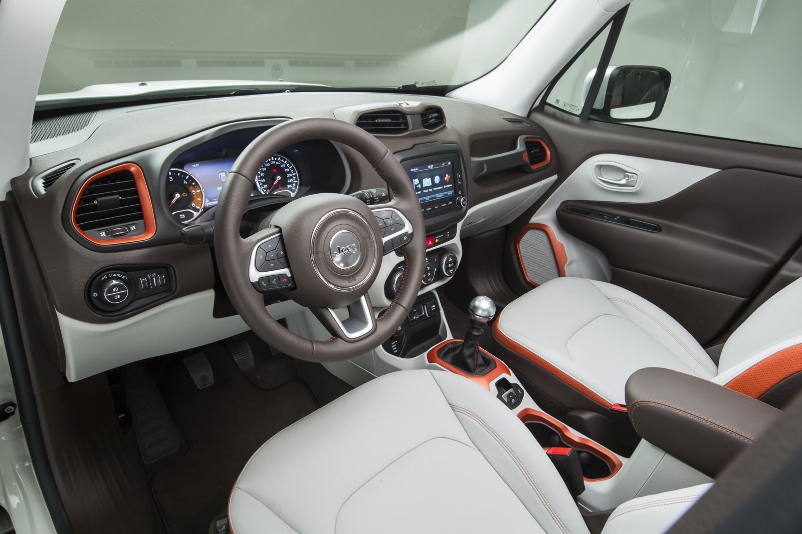 2014 - [Jeep] Renegade - Page 10 Jeep-Renegade-Limited-37