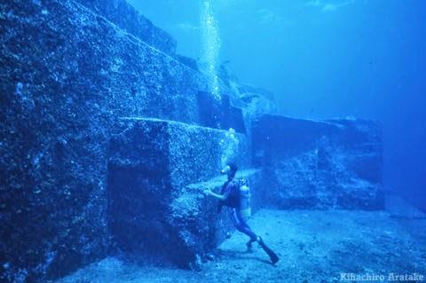 Las Pirámides bajo el agua. Pir%C3%A1mides%2Bde%2Bjapon