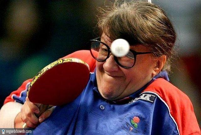 Vive le sport(surtout quand il nous fait rire) - Page 3 Regardduweb-drole-insolite-sport-tennis-table1