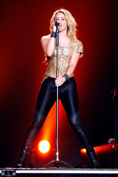Galería » Apariciones, candids, conciertos... - Página 2 Shakira_arena11_393650S0
