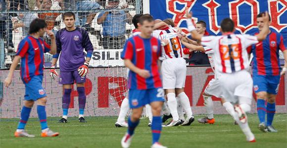 FC. Steaua Bucuresti. - Page 3 Steaua-Bucuresti-Otelul-Galati-Live-Video-Online-13-04-2011-din-Liga1