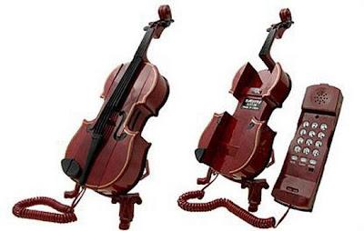இதுவரை நீங்கள் கண்டிராத அழகிய தொலைபேசிகள்  Unusual-telephones-05